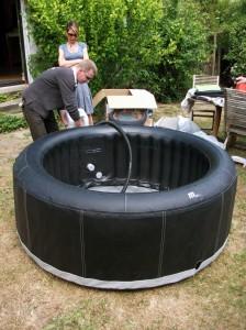 Una instalación de spa inflable